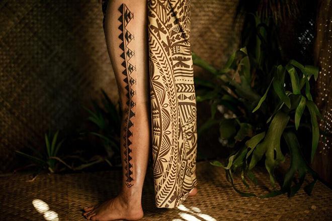 Ausdruck mit Tattoos